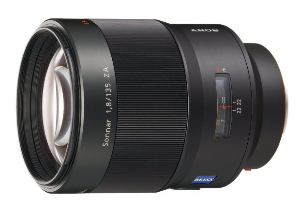 sony-135mm-f-1-8-a-mount-lens